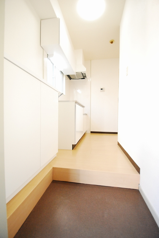 ロイヤルハイツ305号室 室内フルリフォーム物件